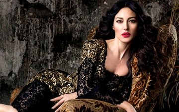 dress, brunette, model, face, chair, actress, makeup, figure, curls, monica bellucci
