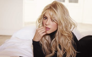 girl, blonde, look, hair, face, singer, shakira
