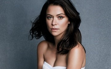 girl, portrait, brunette, look, hair, face, actress, bare shoulders, tatiana maslany