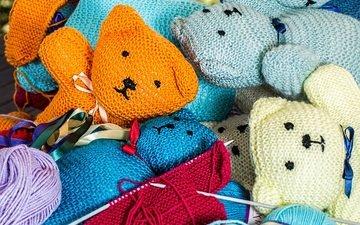 мишки, игрушки, медведи, спицы, нитки, вязание, пряжа, рукоделие, мотки