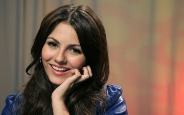 girl, smile, look, model, hair, face, actress, singer, victoria justice