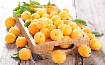 листья, фрукты, плоды, ящик, абрикосы, деревянная поверхность