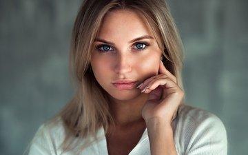 девушка, блондинка, портрет, взгляд, модель, волосы, губы, лицо, андрей фирсов