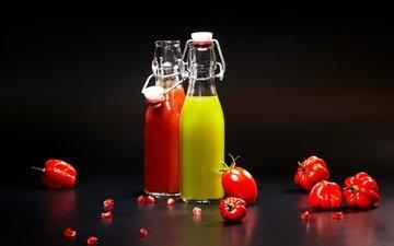напиток, черный фон, овощи, бутылка, помидоры, перец, сок