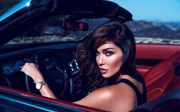 девушка, портрет, брюнетка, взгляд, часы, модель, губы, автомобиль, голубоглазая, jasmine waltz