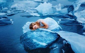вода, девушка, лёд, лежит, льдины, белое платье, закрытые глаза, ronny