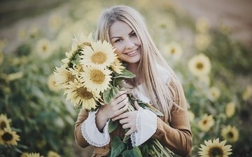 girl, blonde, smile, look, model, hair, bouquet, face, sunflowers, yellow flowers, sara