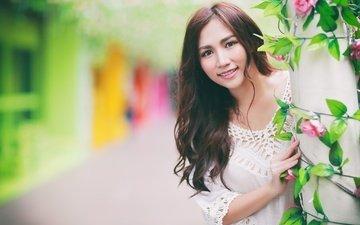 цветы, девушка, улыбка, портрет, взгляд, модель, волосы, лицо, азиатка, боке