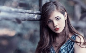 девушка, взгляд, модель, волосы, губы, лицо, боке, коричневые глаза