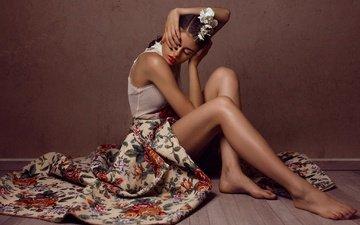 девушка, фон, модель, сидит, ножки, волосы, лицо, макияж