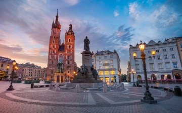 фонари, здания, памятник, площадь, польша, костел, краков, мариацкий костёл, главный рынок, памятник адаму мицкевичу
