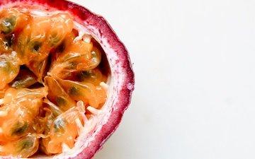 белый фон, фрукт, мякоть, маракуйя
