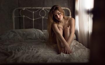 girl, look, hair, face, bed, naked, sitting, skin, the photo fiend