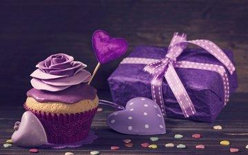 лента, подарок, сердечки, сладкое, выпечка, десерт, кекс, крем, украшение роза
