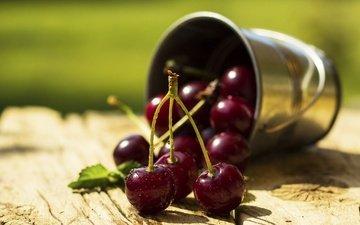 макро, черешня, ягоды, вишня, сладкая, сочная, ведерко, деревянная поверхность