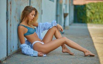 блондинка, модель, ножки, позирует, рубашка, в белье, алиса тарасенко, pawe paoro witkowski
