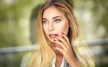 background, blonde, portrait, model, makeup, posing, bokeh, manicure, lods franck, cassandre