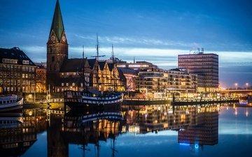 небо, фонари, огни, вода, вечер, река, отражение, корабль, парусник, канал, причал, часы, башня, дома, набережная, германия, бремен