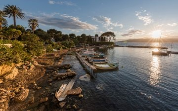 the sky, clouds, trees, the sun, stones, shore, sea, yachts, boats, pier, coast, palm trees, france, provence, antibes