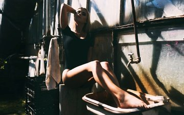 light, girl, look, legs, hair, face, shadows, sink, janis balcuns