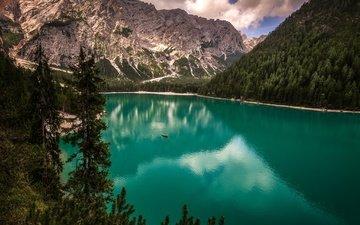 озеро, горы, лодка, италия, водная гладь, южный тироль, доломитовые альпы, озеро брайес