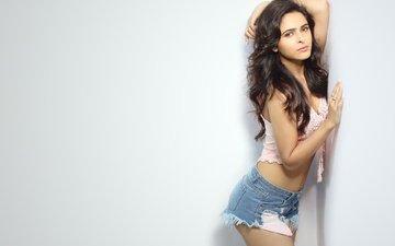 девушка, поза, попа, модель, лицо, актриса, фигура, болливуд, индийская, джинсовые шорты, madhurima tuli, мадхурима тули