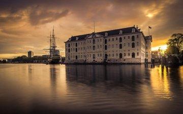 рассвет, корабль, здание, нидерланды, амстердам, музей судоходства, асмтердам