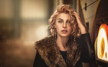 hand, blonde, look, model, curls, fur, bokeh, stephanos georgiou, daisy-ann brunskill