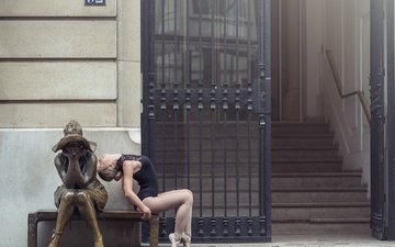 statue, bench, ballerina, pointe shoes, johanna lorand guilbert