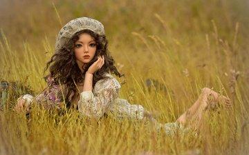 трава, взгляд, игрушка, луг, кукла, волосы, лицо