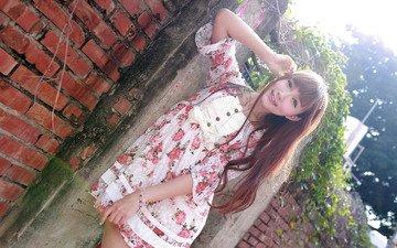 девушка, платье, лето, взгляд, стена, волосы, лицо, кирпичи, азиатка, стоит