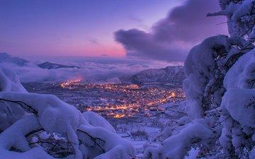 небо, облака, огни, горы, снег, зима, ветки, город