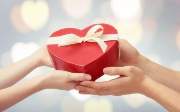 руки, подарок, день святого валентина, 14 февраля