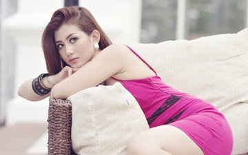 девушка, брюнетка, взгляд, модель, волосы, лицо, азиатка, браслеты, розовое платье