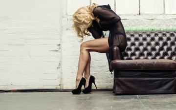 girl, blonde, model, legs, sofa, high heels, giacchi