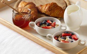 еда, клубника, черника, мед, вкусно, йогурт, овсянка, завтрак в постель