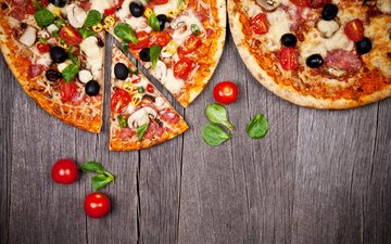 tomatoes, pizza, wooden surface