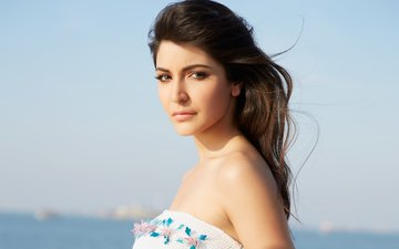 girl, brunette, look, hair, face, actress, anushka sharma