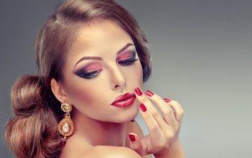 глаза, девушка, портрет, взгляд, красавица, модель, губы, лицо, макияж, прическа, сёрьги, грань, маникюр