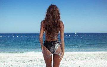 девушка, море, поза, песок, пляж, брюнетка, модель, бикини, попка