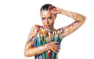 девушка, краски, взгляд, модель, волосы, лицо, белый фон, кисточки, кисти, боди-арт, павел зубов