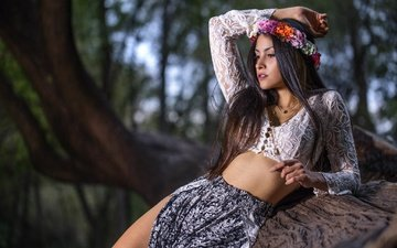 flowers, nature, tree, girl, park, pose, brunette, skirt, makeup, figure, wreath, blouse, bokeh, luis gastón