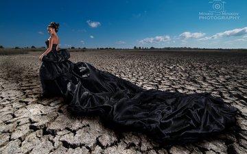 небо, облака, девушка, модель, прическа, черное платье, minko minkov