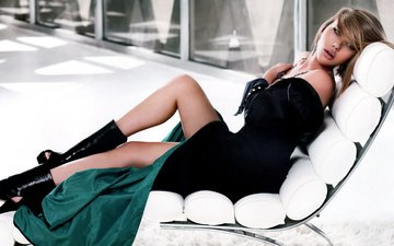 dress, pose, look, model, legs, actress, posing, scarlett johansson, boots, celebrity