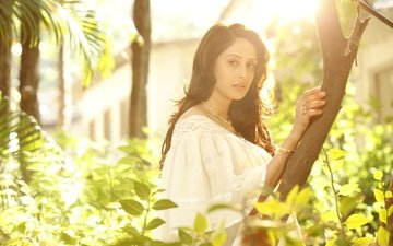 leaves, girl, look, hair, face, actress, indian, chahat khanna