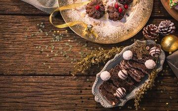новый год, печенье, шоколадные конфеты, шоколадный кекс, украшение на елку