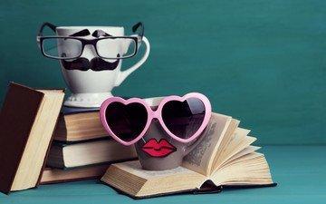 очки, книги, кружки