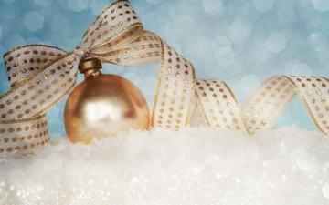 снег, новый год, шар, лента, рождество, елочные украшения