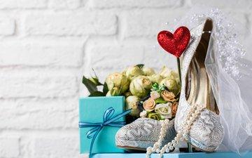 бусы, подарок, свадьба, туфли, фата, букет невесты