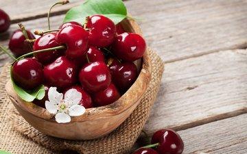 черешня, ягоды, вишня, миска, мешковина
